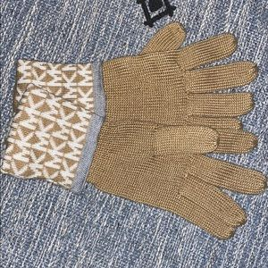 Michael Kors Knit Cuffed Gloves